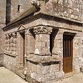 Runan, le bourg. L′ossuaire d′attache (2ème moitié du XVIème siècle) (2008)