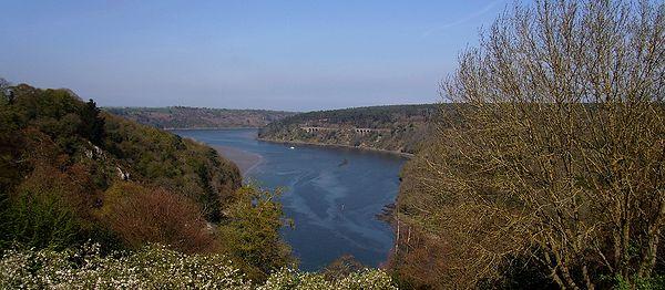 Ploëzal, la Roche-Jagu. L′estuaire du Trieux, point de rencontre de l′Armor et de l′Argoat (2009)
